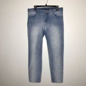 Kensie Jeans Light Wash Skinny Jeans (Jeggings)